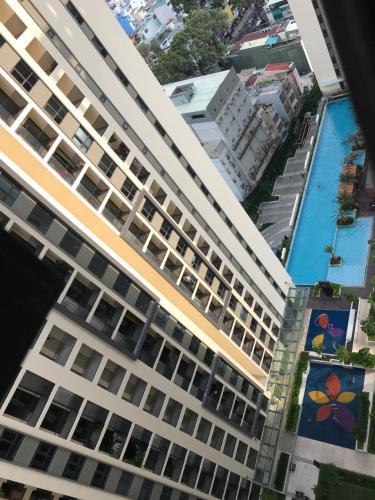 Hướng view Hado Centrosa Garden, Quận 10 Căn hộ Hado Centrosa Garden tầng cao, 4 phòng ngủ rộng rãi.