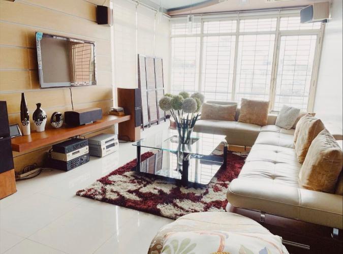 Biệt thự thiết kế kiên cố 1 trệt 4 lầu diện tích 136m2, nội thất cơ bản.