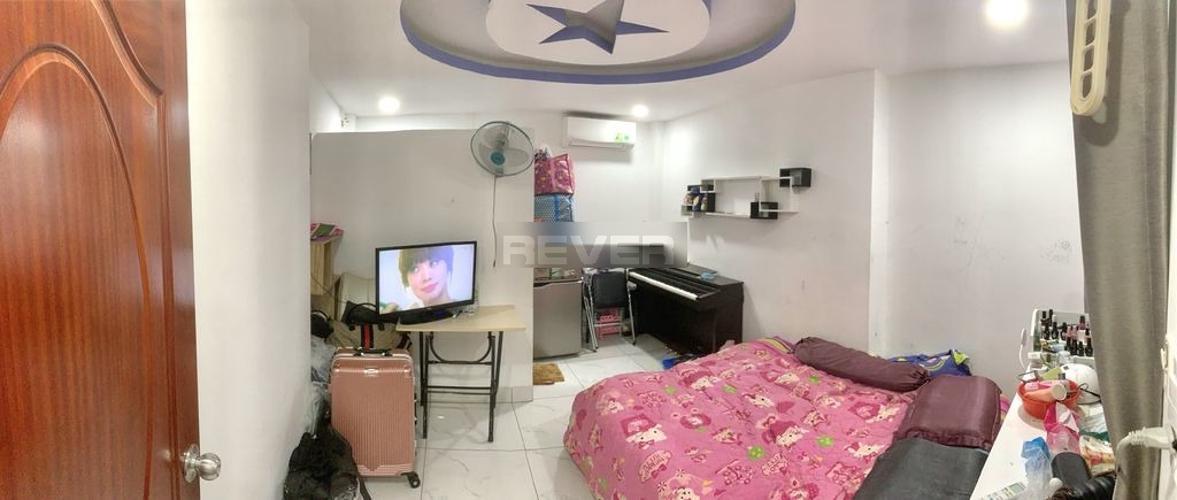 Phòng ngủ nhà phố Trần Khắc Chân, Quận 1 Nhà phố hẻm Quận 1, hẻm xe ba gác, nội thất cơ bản.