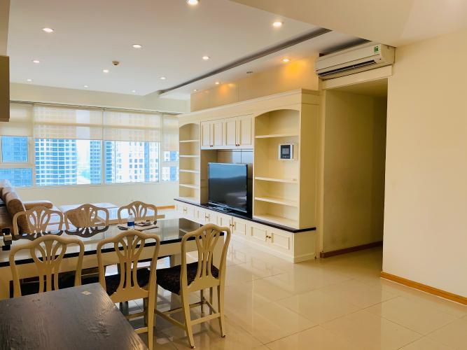 Căn hộ Saigon Pearl tầng 18 view sông Sài Gòn, đầy đủ nội thất.