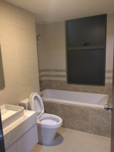 Phòng tắm , căn hộ SaiGon Royal , quận 4 Officetel Saigon Royal tầng 17 view thoáng mát, nội thất cơ bản.