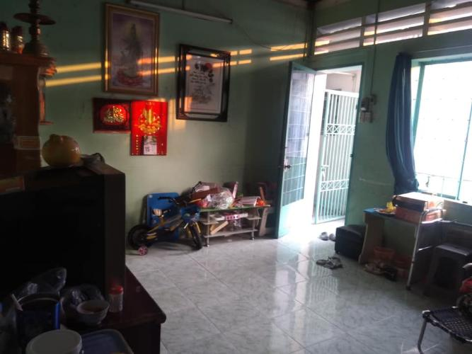Căn hộ Chung cư Phan Xích Long tầng 4, ban công đón gió mát mẻ.