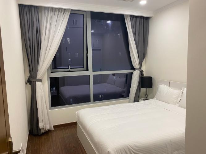 phòng ngủ căn hộ Vinhomes Central Park Căn hộ tầng 33 Vinhomes Central Park bàn giao nội thất đầy đủ