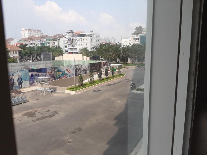 view nhìn ra phía ngoài căn hộ sài gòn mia Bán Shop-house Saigon Mia, bàn giao thô dễ dàng trang trí theo concept