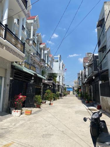 Đường nhà phố Huỳnh Tấn Phát, Nhà Bè Nhà phố hẻm xe hơi vào tận cửa, diện tích 120m2.