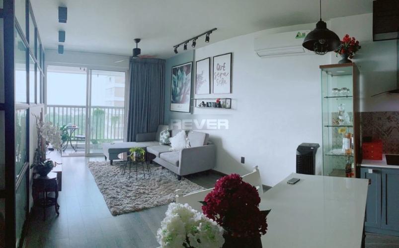 Phòng khách căn hộ Orchard ParkView Căn hộ Orchard Parkview hướng Đông Nam, view nội khu hồ bơi.