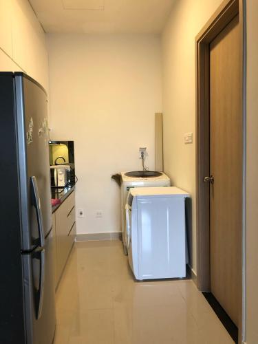 bêp Căn hộ THE SUN AVENUE Cho thuê officetel The Sun Avenue tầng thấp, diện tích 40m2 - 1 phòng ngủ, đầy đủ nội thất