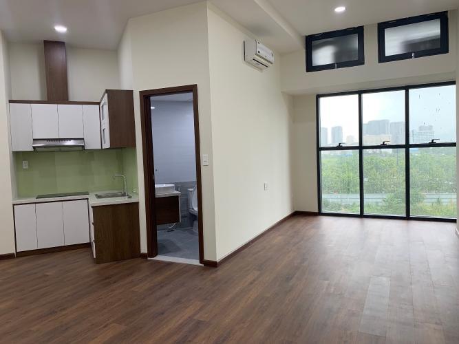 Office -tel The Sun Avenue nội thất cơ bản, sàn lót gỗ sang trọng