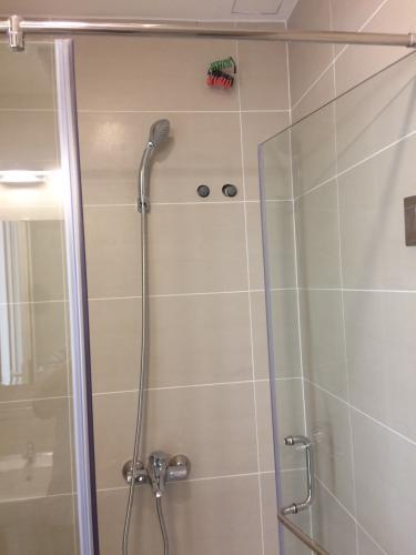Phòng tắm Richmond City, Bình Thạnh Căn hộ Officetel đầy đủ nội thất, ban công thoáng mát.