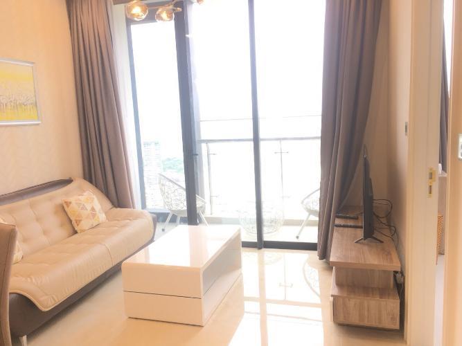 Phòng khách căn hộ Vinhomes Golden River Căn hộ Vinhomes Golden River tầng cao, đầy đủ nội thất.