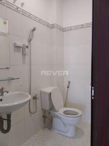 Phòng tắm nhà phố Quận Gò Vấp Nhà phố mặt tiền đường Vân Côi diện tích 75m2, pháp lý rõ ràng.