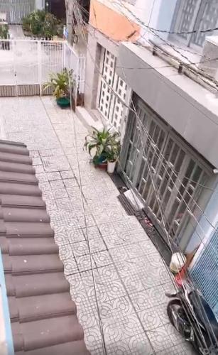 Đường hẻm nhà phố Quận Tân Phú Nhà phố hướng Bắc diện tích sử dụng 148.5m2, đầy đủ nội thất.
