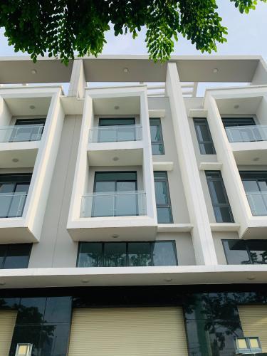 Cho thuê nhà nguyên căn MT Đồng Văn Cống, Quận 2, 4 lầu 1 lửng, giao thông thuận tiện