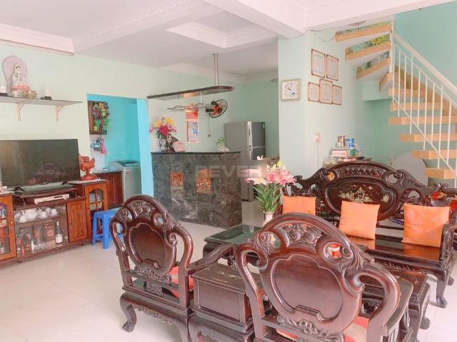 Căn hộ chung cư đường Nguyễn Kiệm đầy đủ nội thất, tiện nghi.