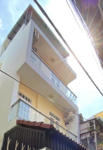 Nhà phố Q.Bình Thạnh hướng Bắc gồm 1 trệt 3 lầu, sổ hồng riêng.