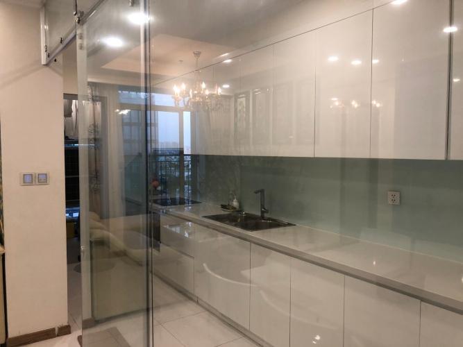 Phòng bếp căn hộ Vinhomes Central Park, Quận Bình Thạnh Căn hộ Vinhomes Central Park gồm 4 phòng ngủ, đầy đủ nội thất.