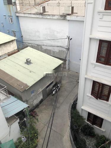 View nhà phố Quận Bình Tân Nhà phố Q.Bình Tân hướng Nam 1 trệt 3 lầu diện tích sử dụng 240m2.