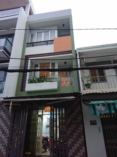 Mặt tiền nhà phố Huỳnh Thiện Lộc, Tân Phú Nhà phố hướng Đông Nam, không kèm nội thất, sổ hồng riêng.