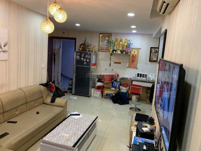 Căn hộ Celadon City tầng 6 gồm 3 phòng ngủ, nội thất cơ bản.