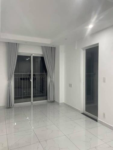 Căn hộ Conic Riverside tầng 18 có 1 phòng ngủ, nội thất cơ bản.