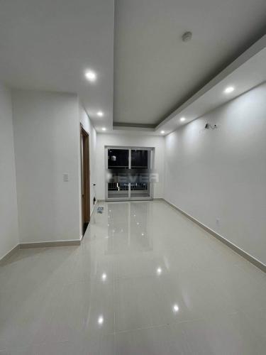 Căn hộ Lavita Charm tầng 7 cửa hướng Đông Nam, nội thất cơ bản.