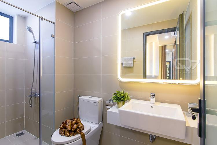 Toilet căn hộ Q7 BOULEVARD Căn hộ Q7 Boulevard diện tích 57.21m2, thuộc tầng trung, ban công hướng Tây