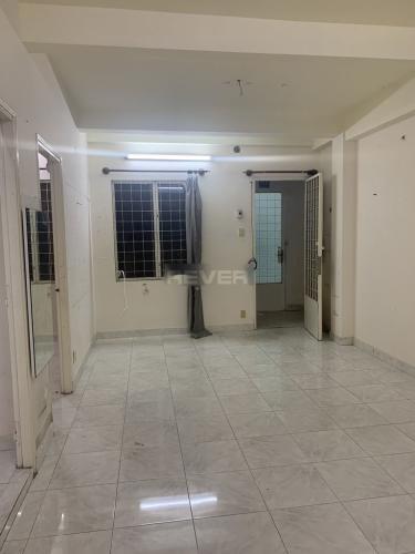 Căn hộ chung cư Nguyễn Kiệm hướng Đông Nam, không kèm nội thất.