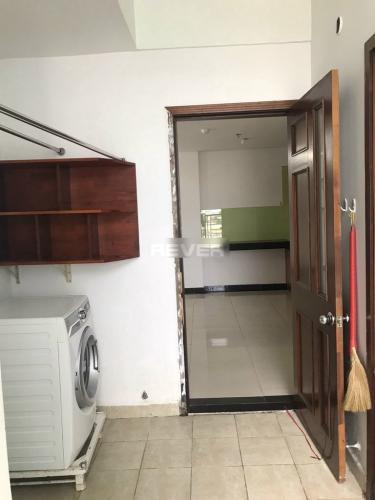 Phòng giặt đồ Chánh Hưng Giai Việt, Quận 8 Căn hộ Chánh Hưng Giai Việt tầng trung, nội thất đầy đủ.