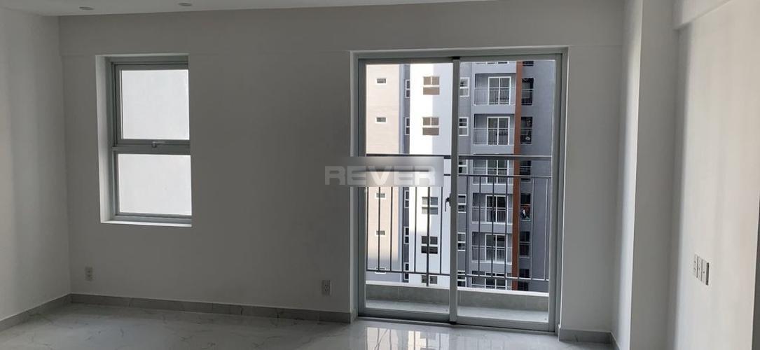 Căn hộ Conic Riverside nội thất cơ bản, view nội khu hồ bơi.