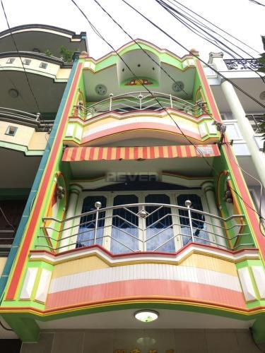 Văn phòng Quận Tân Phú hướng Tây gồm 1 trệt 2 lầu, không nội thất.