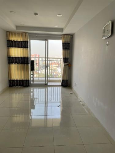 Phòng khách căn hộ chung cư Khuông Việt Căn hộ chung cư Khuông Việt ban công Đông Nam, view đón gió mát mẻ.