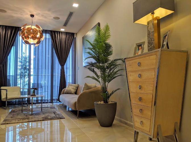 Phòng khách căn hộ VINHOMES GOLDEN RIVER Bán căn hộ Vinhomes Golden River 1 phòng ngủ, tầng cao view đẹp, diện tích 49.5m2