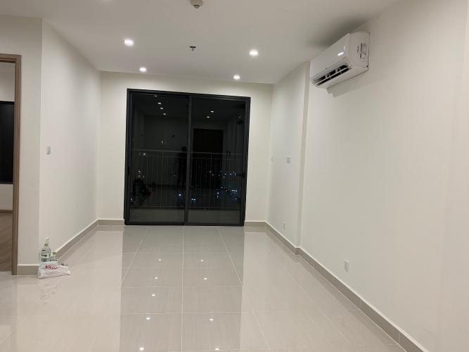 Căn hộ Vinhomes Grand Park tầng 32 không nội thất, cửa chính Đông Nam mát mẻ