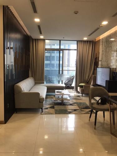 Căn hộ Vinhomes Central Park đầy đủ nội thất, view nội khu yên tĩnh.
