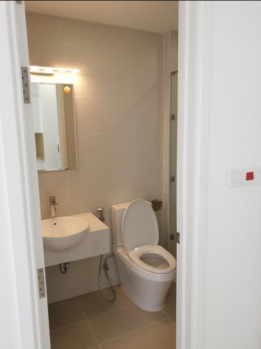 phòng vệ sinh căn hộ sai gòn mia Căn hộ tầng cao Saigon Mia, thiết kế tinh tế, nhiều cửa đón sáng.