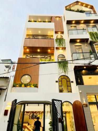 Nhà phố hướng Đông Nam diện tích nhà 61.2m2, khu dân cư thân thiện.