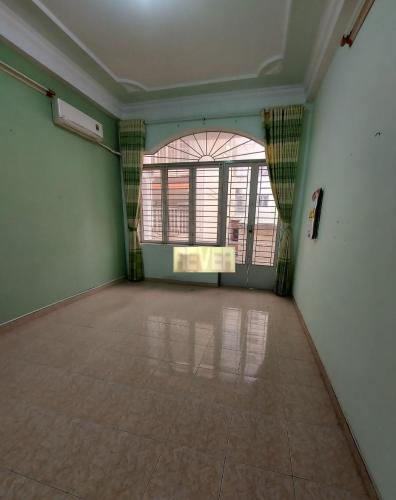 Bên trong nhà phố Bạch Đằng, Tân Bình Nhà phố khu dân cư an ninh yên tĩnh, diện tích sử dụng 180m2.