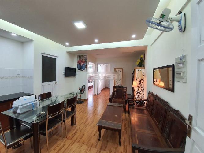 Căn hộ Nguyễn Ngọc Phương tầng 16 hướng Tây Bắc, nội thất cơ bản.