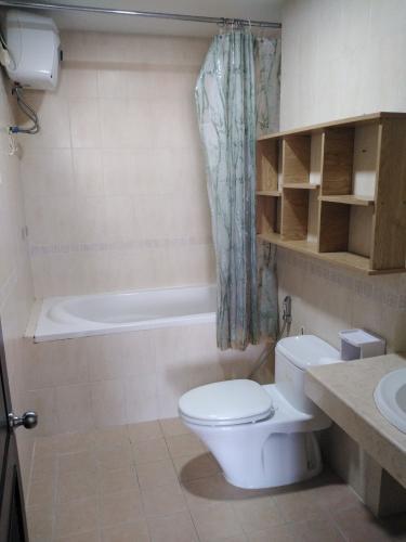 Phòng tắm Cảnh Viên 2, Quận 7 Căn hộ Cảnh Viên 2 hướng Đông Bắc, đầy đủ nội thất tiện nghi.