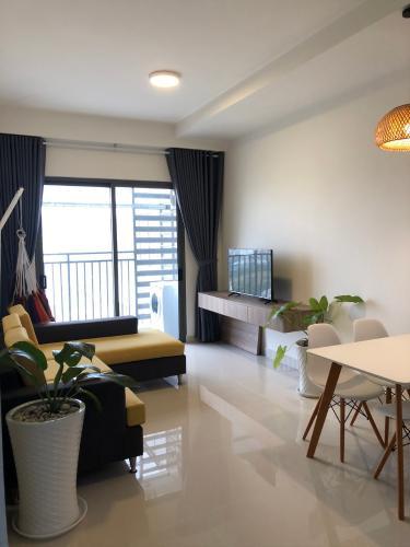 phòng khách căn hộ 2+1 phòng ngủ the sun avenue Căn hộ The Sun Avenue tầng trung, kèm nội thất đầy đủ.