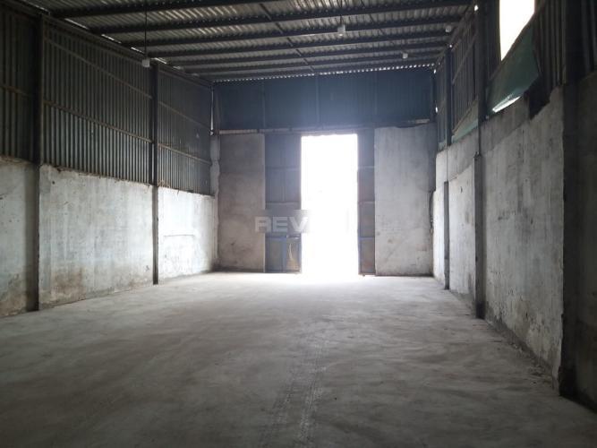 Không gian kho Quận Thủ Đức Nhà kho chứa hàng Q.Thủ Đức hướng Nam, diện tích sử dụng 200m2.