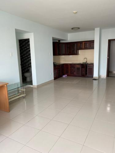 Căn hộ chung cư Bàu Cát 2 nội thất cơ bản, view thoáng mát.