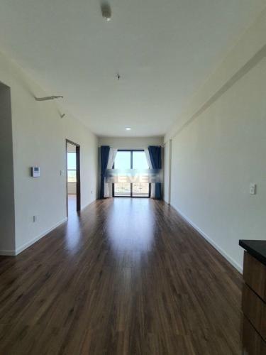 Căn hộ Mizuki Park tầng cao nội thất cơ bản, thiết kế kỹ lưỡng.