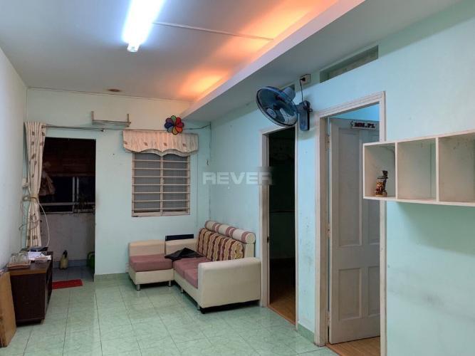 Căn hộ chung cư Bàu Cát 2 nội thất cơ bản, cửa hướng Đông.
