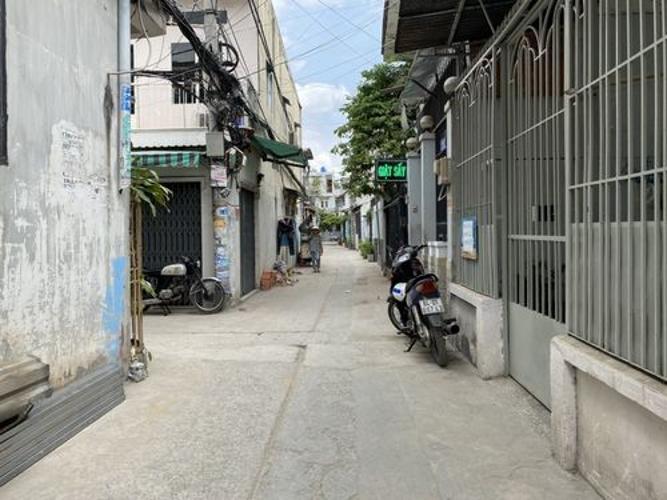 Hẻm Nhà phố hướng Đông, hẻm thông tứ hướng, nội thất cơ bản.