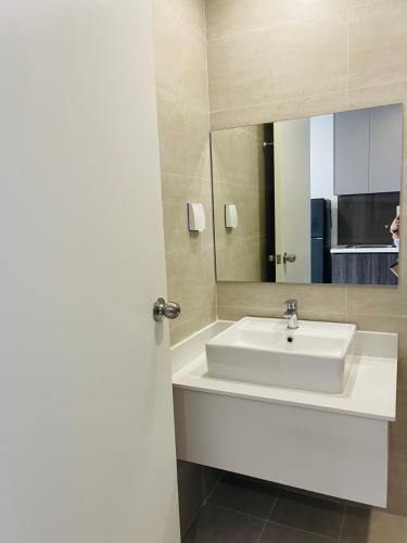 nhà tắm căn hộ Lavida Plus  Căn hộ tầng 5 Lavida Plus nội thất đầy đủ
