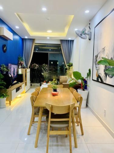 Căn hộ tầng 22 Jamila Khang Điền ban công thoáng mát, đầy đủ nội thất.