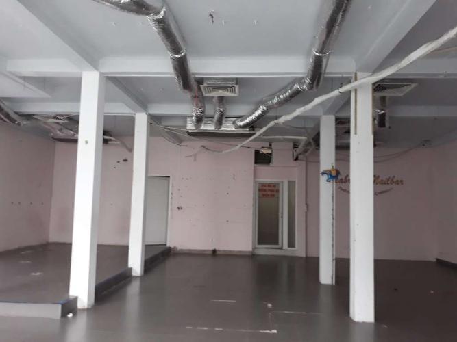 Văn phòng đường Nguyễn Gia Trí có 1 trệt 2 lầu, tiện ích đầy đủ.