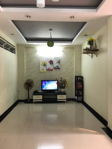 Căn hộ chung cư An Hoà 2 tầng thấp, bàn giao nội thất đầy đủ.