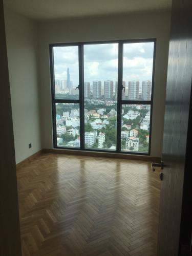 Phòng ngủ căn hộ Feliz En Vista Căn hộ Feliz En Vista có cửa kính  nhiều thông thoáng, view thành phố.
